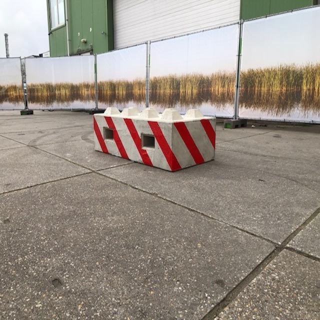 betonblokken wegversperring